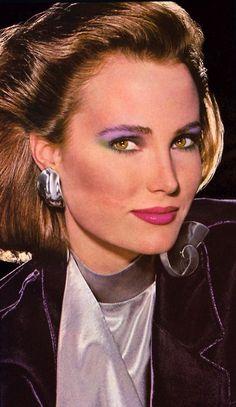 Estée Lauder, Harper's Bazaar, September – Maggie Cook – Hair Clips 1980s Makeup And Hair, 80s Makeup Looks, Retro Makeup, 80s Hair, Glam Makeup, Makeup Inspo, Makeup Inspiration, Hair Makeup, 90s Makeup