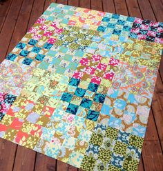 good tutorial for St. Louis 16 patch quilt blocks gives fabric requirements for many sized quilts - looks like a great stash buster ! 16 Patch Quilt, Quilt Blocks, Quilting Tutorials, Quilting Projects, Sewing Projects, Quilting Tips, Quilting Fabric, Fabric Scraps, Craft Projects