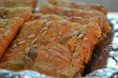 Suussasulavaa rakkautta: Auringonkukka-porkkana-kauraleipä