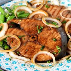 Try this fish steak recipe using Mackerel or Tuna fish, some soy sauce, lemon juice and onions! A very simple fish recipe that is done in a jiffy! Serve it with some beans or rice or both! Mackerel (or Tanigue Fish Steak Recipe, Pork Adobo Recipe, Tuna Fish Recipes, Fish Recipe Filipino, Filipino Dishes, Filipino Recipes, Filipino Food, Filipino Desserts, Tuna