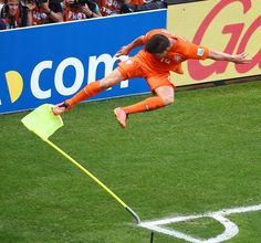 Here's how Klaas-Jan Huntelaar of the Netherlands celebrated after scoring the go-ahead goal on Mexico.
