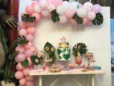 Flamingo Tropic balloons Flamingo, Balloons, Tropical, Candy, Fingernail Designs, Flamingo Bird, Globes, Flamingos, Balloon