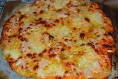 Mi Diversión en la cocina: Pizza de Salmon y Cebolla con salsa de ajo y perejil y Perlas de Mozarella