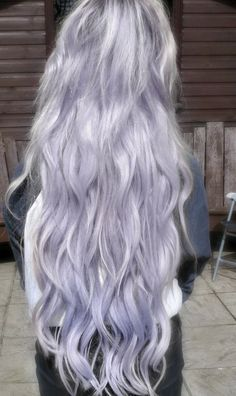 lilac hair; the kind of pastel hair that i want so badly