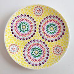 Vrij histerisch, maar wat ben ik er blij mee #stipstijl Mandala Painting, Dot Painting, Mandala Art, Sharpie Crafts, Sharpie Art, Pottery Painting, Ceramic Painting, Middle Eastern Art, Stippling Art