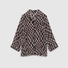 Gucci Double Net Print Oversize Top worn by Elizabeth North on Scandal. Elizabeth North, Scandal Fashion, Olivia Pope, Smart Outfit, Business Casual, Bell Sleeve Top, Gucci, Tv, Outfits