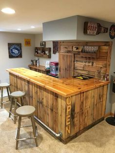 DIY Pallet Bar IdeasDIY Pallet Bar Ideas beautiful DIY pallet bar ideas you can try at home express . - Ellise beautiful DIY pallet bar ideas that you can try out at home Diy Bar, Diy Home Bar, Bars For Home, Rustic Basement Bar, Basement Bar Designs, Home Bar Designs, Basement Ideas, Industrial Basement, Modern Basement