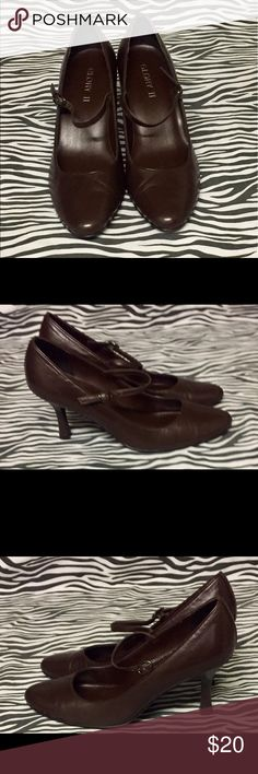 Brown 8.5M Glory 2in Ankle Strap Heels. Leather upper 2in heels with ankle strap . Creasing on toes. Bottoms are in good condition Glory Shoes Heels