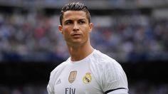 Криштиану Роналду отметил день рождения с самой любимой женщиной и сыном http://joinfo.ua/showbiz/1196402_Krishtianu-Ronaldu-otmetil-den-rozhdeniya-samoy.html  Вчера футболисту Криштиану Роналу (Cristiano Ronaldo) исполнилось 32 года. Он провел этот день с самыми близкими людьми.Криштиану Роналду отметил день рождения с самой любимой женщиной и сыном, читайте...