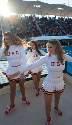 Cheerleading Pictures, Cheerleading Uniforms, Football Cheerleaders, Girly Games, Cheerleader Skirt, Nfl, Ice Girls, University Of Southern California, Sporty Girls