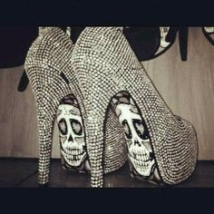 {Heels} Skull diamond shoes #heels #skulls #sparkle