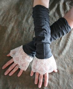 ❥ ELOISE vintage Victorian inspired cotton and lace cuffs, fingerless gloves, arm warmers