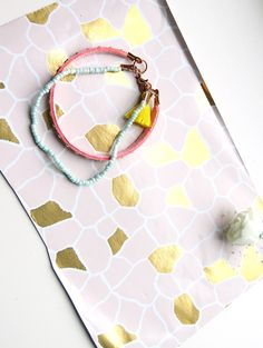 Do you love bracelets, necklaces and jewellery as much as I do? These DIY Boho bracelets are handmade and beautiful. Check out this blog for some unique bracelet designs.