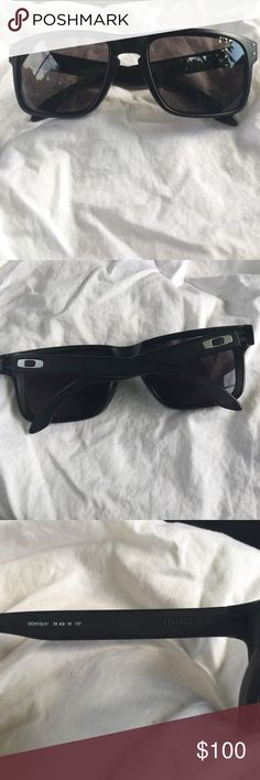 do oakley glasses come with a case  oakley holbrook sunglasses gently used oakley sunglasses bought brand new. a few scratches on the