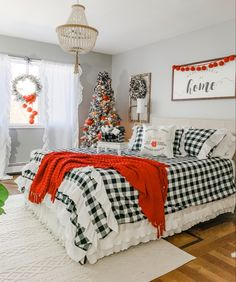 One of my favorite things about the holidays is having family & friends come to stay. A comfortable guest room is a must. Christmas Bedroom, Holiday Room Decor, Christmas Decor Diy, Holiday Bedroom, Holiday Room, Christmas Decorations Bedroom, Christmas Room, Room Decor, Christmas Bedding