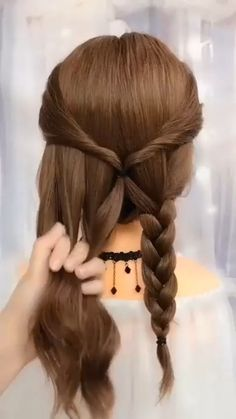 So Romantic Hair Updo for Brides kurze haare schnelle videos Best Romantic Bridal Hairstyle - Watch Complete Video Cute Hairstyles For Teens, Easy Hairstyles For Long Hair, Teen Hairstyles, Easy Hairstyles Tutorials, Hairstyles For Brides, Simple Hair Updos, Easy Ponytail Hairstyles, Easy Wedding Hairstyles, Simple Hairstyles For Medium Hair