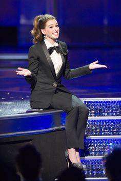 [Anne Hathaway in custom tuxedo by LANVIN at 2011 Oscars 83rd Academy Awards[5].jpg]