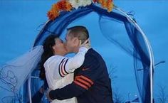 #Bears fans get married at tailgate before team's disastrous lost #wedding #marriage #sports