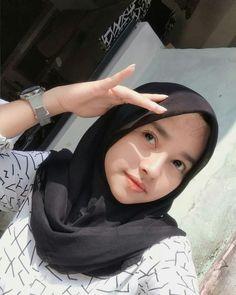 Casual Hijab Outfit, Hijab Chic, Ootd Hijab, Filipina Beauty, Ulzzang Korean Girl, Ulzzang Couple, Cute Girl Face, Girl Hijab, Muslim Girls