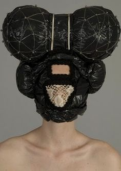 This amazing head piece by:Muriel Nisse
