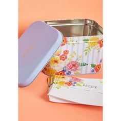 Paper Source Fun in Functional Recipe Box (35 AUD) ❤ liked on Polyvore featuring home, kitchen & dining, recipe tin, tin recipe box, paper source and floral recipe box