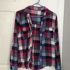ONE HOUR SALEFlannel top Girly flannel top one button on sleeve missing Tops Tees - Long Sleeve
