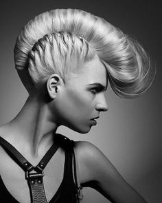 Girl Mohawk Hairstyles Trends and Ideas - Mohawks for girls are more popular than ever, with many cool versions available for this iconic punk style. Check out the best mohawk styles for girls. Mohawk Hairstyles, Straight Hairstyles, Mohawk Updo, Braided Mohawk, Blonde Hairstyles, Long Mohawk, Pompadour Hairstyle, Classic Hairstyles, Medium Hairstyles