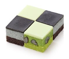 Frozen Cube Cake at Mos Burger,Japan @フローズンキューブケーキ<黒ごま&抹茶>