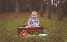 Logan celebrates his first birthday in baseball style with Tampa Photographer…