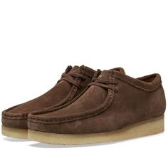 Buy the Clarks Originals Wallabee in Dark Brown Suede from leading mens fashion retailer END. - only Fast shipping on all latest Clarks Originals products Clarks Originals, The Originals, Herren Outfit, Brown Suede, Dark Brown, Desert Boots, Mens Fashion Shoes, Up Styles, Shoe Boots