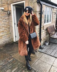 2019 Winter Fashion New Pictures Here page 18 winter fashion, winter fashion winter outfits, Source by fashion office Winter Fashion Outfits, Fall Fashion Trends, Autumn Winter Fashion, Trendy Outfits, Winter Outfits, My Unique Style, My Style, Sheepskin Coat, Winter Trends