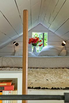 Interior designer Jessica Helgerson and her husband, architect Yianni Doulis, live in a one-bedroom, one-bathroom, 540-square-foot home on Sauvie Island, OR with their two children.