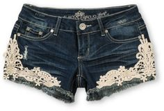 Gorgeous crotchet shorts are so fresh and daring for the coming up summer