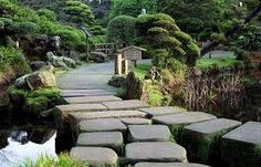 Tips for perfect stepping stone paths from rochelle greayer editor of PITH + VIGOR Zen Garden Design, Japanese Garden Design, Japanese Landscape, Landscape Design, Japanese Gardens, Zen Gardens, Stepping Stone Paths, Chicago Botanic Garden, Garden Images