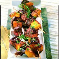 Une recette exotique au cœur de l'hiver de Cuisine & Vins de France : brochettes de canard à l'ananas