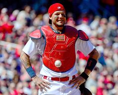 Can You Spot It? Mystifying Baseball Eludes MLB Catcher in Hilarious Video Baseball Video Games, Baseball Series, Mlb Games, Baseball Art, Funny Baseball, Cubs Players, Yadier Molina, Cardinals, Catcher