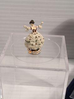 Robert Olszewski - Dresden Dancer figurine Small Figurines, Miniature Figurines, Dresden, Manners, Dollhouse Miniatures, Artisan, Ebay, Decor, Decoration