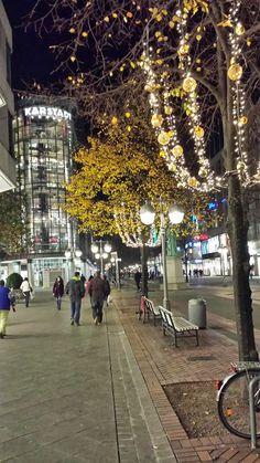 Designsie - Der Blog um das Thema Fantasie und Kreativität: Glamuröse Kleidung und weichnachtliche Beleuchtung in Hannovers Innenstadt