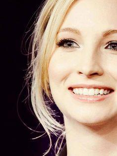 Эта фантастическая улыбка! Улыбайтесь чаще, ведь улыбка- это самое лучшее украшение человека!
