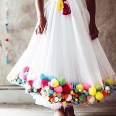 These pom poms make me feel so exotic! Cute textured pom pom embellished Close up pom pom skirt Fashion Details, Diy Fashion, Fashion Design, Fashion Dresses, Pom Pom Skirts, Tutu Skirts, Pom Pom Dresses, Tulle Poms, Tulle Tutu