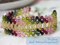 Free bracelet pattern: Overlapping Olive and Rose Bracelet