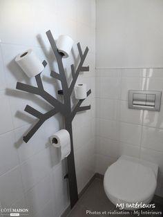 Un arbre à papier toilettes, une idée originale pour ranger cet objet.