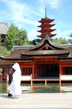 Japanese bride Itsukushima shrine #worldheritage #hiroshima #japan  厳島神社