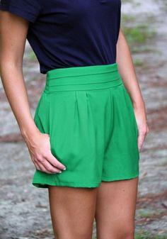 Finley shorts  Esse é o máximo do curto que se permite em ambientes mais formais
