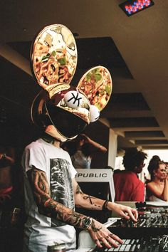 Deadmau5 :DDDDDDDDD Kinds Of Music, Music Love, Music Is Life, Trance Music, Edm Music, Lollapalooza, David Guetta, Alan Walker, Dubstep