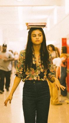 Selena Gomez Fotos, Selena Gomez Outfits, Selena Gomez Style, Selena Gomez Hair, Pretty People, Beautiful People, Selena Gomez Wallpaper, Mode Streetwear, Marie Gomez