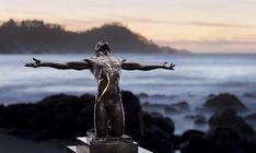 Paige Bradley – bronzen sculpturen met elektriciteit - Thalmaray.co