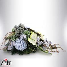 Grave Decorations, Flower Decorations, Creative Flower Arrangements, Floral Arrangements, Funeral Flowers, Black Flowers, Floral Wreath, Projects To Try, Bouquet