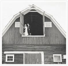 Barn wedding photo! Swoon.