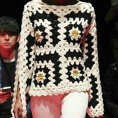 crochelinhasagulhas: No Instagram Crochet Bolero, Diy Crochet And Knitting, Crochet Coat, Form Crochet, Crochet Cardigan, Crochet Clothes, Crochet Baby, Crochet Patterns, Knit Fashion